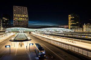 Dansende wolken boven Utrecht Centraal van