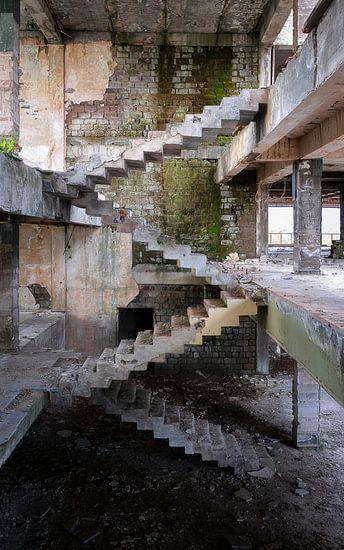 Verlassene Treppe von Escher.