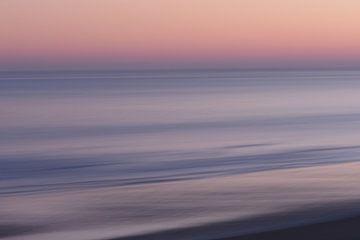 Zonsopkomst aan het strand van de Opaalkust.