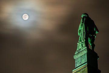 Kassel: Herkules bei Vollmond