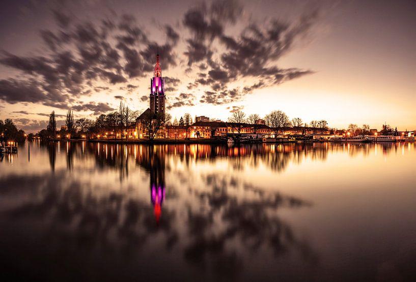 La ligne d'horizon de Potsdam au coucher de soleil de la Havel sur Frank Herrmann