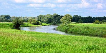 Liebliche Flusslandschaft sur Gisela Scheffbuch