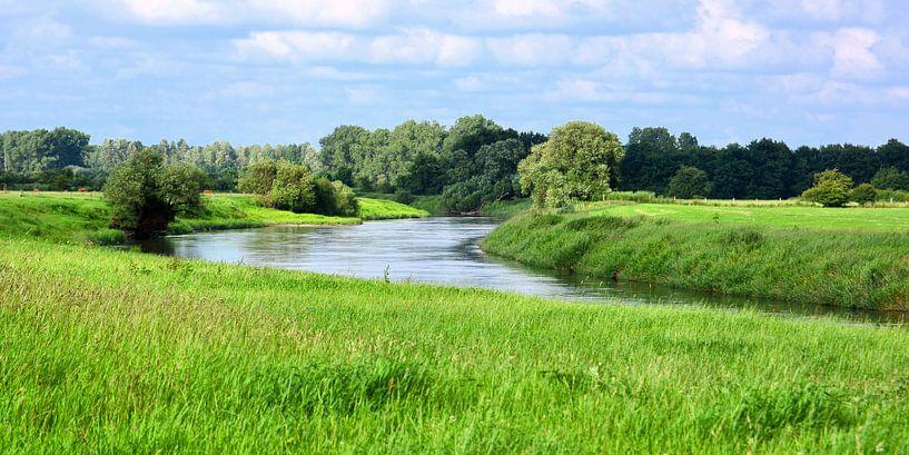 Pretty River Scenery van Gisela Scheffbuch