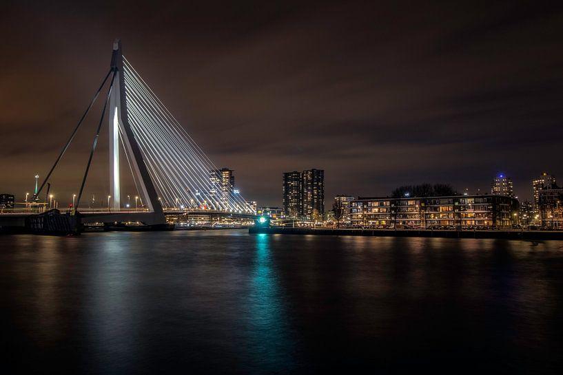 Rotterdam by Night van Urban Relics