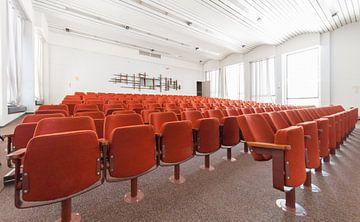 Auditoriumzaal gebouw SAQ (voormalig NatLab), Strijp-S sur Bas Wolfs