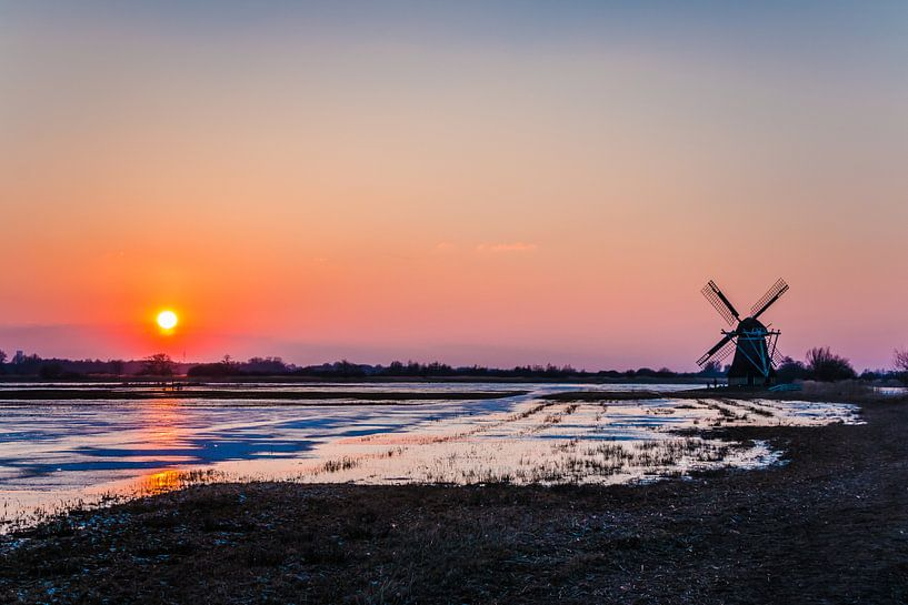 Zonsondergang op de Ryptsjerksterpolder van Jo Pixel