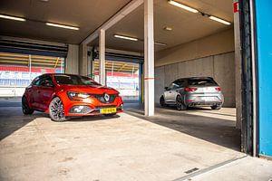 Renault Megane RS vs Seat Cupra R