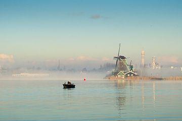Windmolen aan de Zaanse Schans met visser von Tom Elst