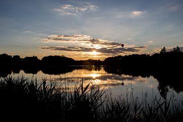 Zonsondergang aan provinciaal domein De Gavers van Ronald De Neve