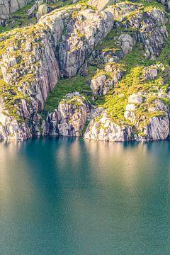 Das Ufer von einem See in Norwegen von Christein van Hoffen