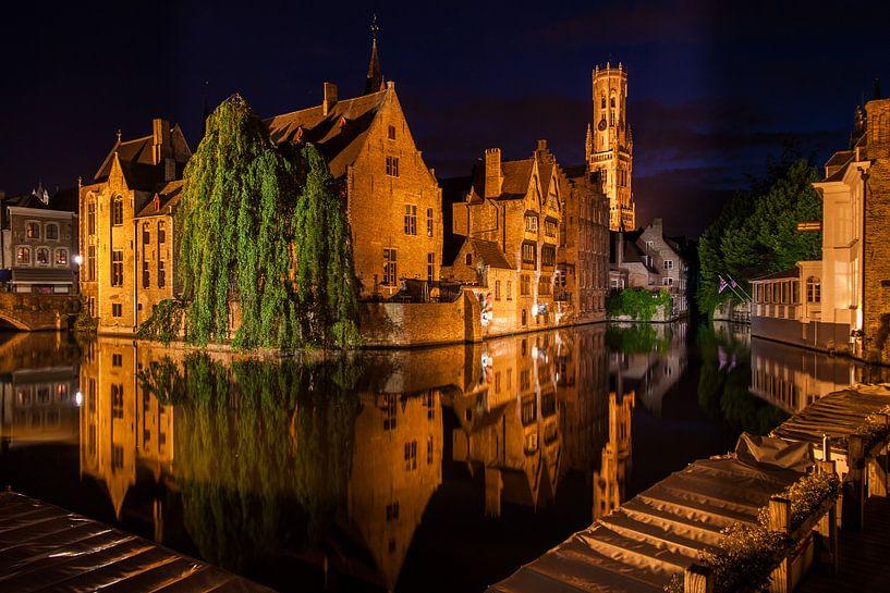 Brugge by Night van Hans Hoekstra