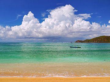 Opkomend Wolkendek, Kuta Beach, Lombok van Eduard Lamping