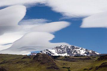 Wolken boven Los Glaciares van Gerard Burgstede