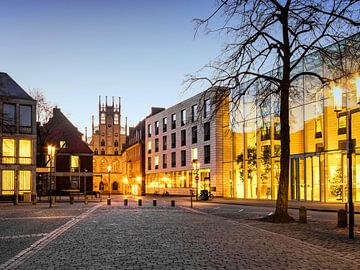 Een mooie en warme ochtend op de Domplatz, Münster van Martijn Mureau