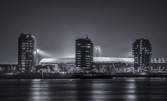 - Werk aan de Muur Canvas 50x30. 'Feyenoord stadion De Kuip tijdens een Europa League avond  ' van Tux Photography