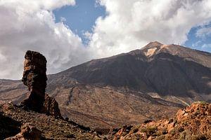 Spanje Tenerife - Zicht op de Pico del Teide van