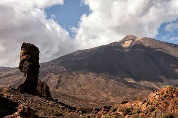 Spanje Tenerife - Zicht op de Pico del Teide van Marianne van der Zee