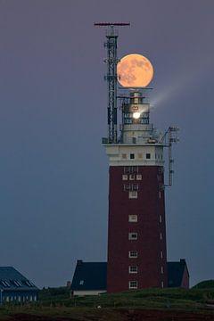 Leuchtturm mit Mond von Erwin Stevens