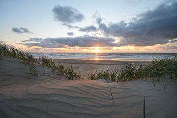 Zonsondergang in de duinen von Remco Swiers