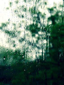 Een Regenachtige Dag - druppels op raam van Nicole Schyns