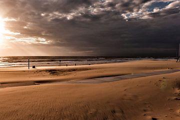 Na de storm aan de Nederlandse kust van Irene Kuizenga