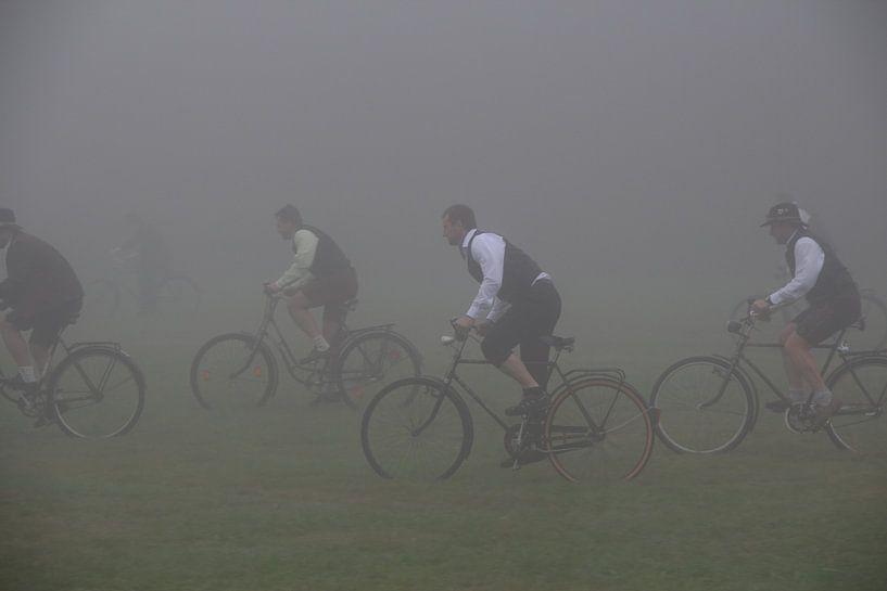Course cycliste bavaroise dans le brouillard sur Paul Franke