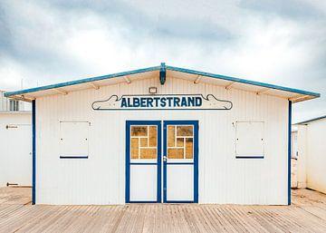 Strandcabine op het Albertstrand in Knokke van Matthijs Van Mierlo