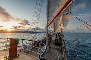 Coucher de soleil du Tallship Antigua. sur Menno Schaefer