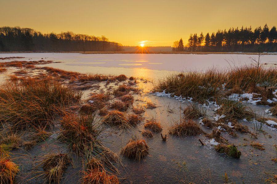 Zonsopkomst op het ijs
