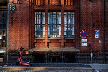 Pakhuis in Speicherstadt, in de havenstad Hamburg van Jenco van Zalk