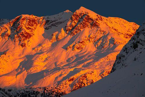Alpenglow op de Piz Rosatsch - Graubünden - Zwitserland van Felina Photography