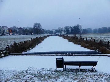 St. Jansbeek in Arnhem onder een laagje sneeuw van Petra Dielman