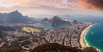 Rio de Janeiro view (oranje) van Merijn Geurts