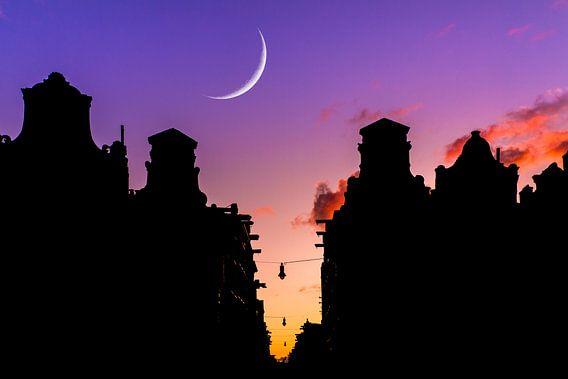 Nieuwe maan Amsterdam van Dennis van de Water