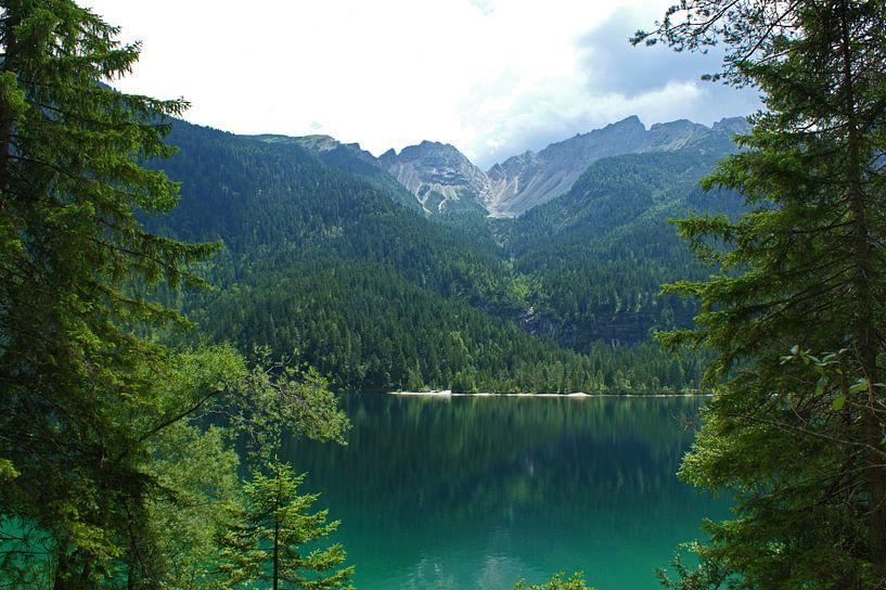 Bergmeer in de Dolomieten, Italië  van Jeroen van Deel