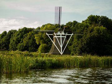 Windmolen vanaf het water van Michel Aalders
