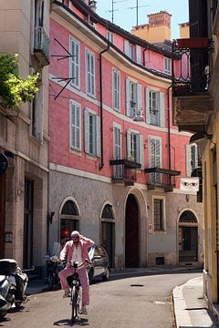 Via Santa Marta, Milaan, Italië. sur Alida Stuut