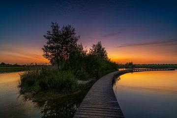 Der Steg bei Sonnenuntergang, Barendrecht von Rob Bout