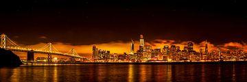 Panorama-opname van de skyline van San Francisco in Californië bij nacht van Dieter Walther