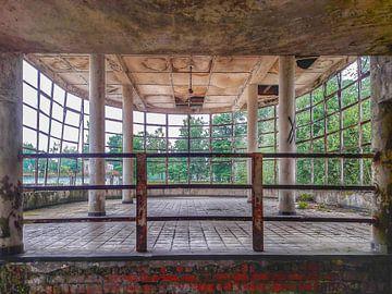 Schwimbecken 1 von PAPARAzzSSI Freelance Fotografie