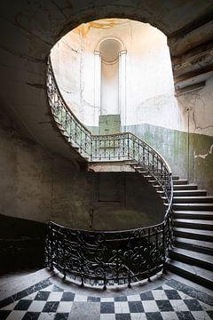 Verlassene Wendeltreppe. von Roman Robroek