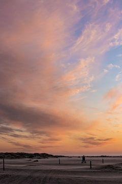 Bunter Sonnenuntergang am Strand von Zeeland von Peter Haastrecht, van