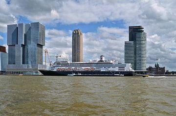 M.S. Rotterdam van Leo Huijzer