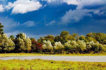 Malerische Schönheit der Gewässer im Blauen Saal von PhotoManiX Digital Photography