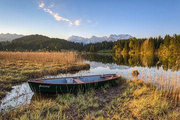 Mountain idyll on Lake Gerold in Bavaria van