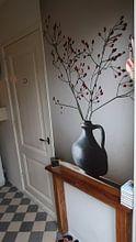 Kundenfoto: Blaue Vase mit Beeren von Karin Bazuin, auf nahtloser fototapete