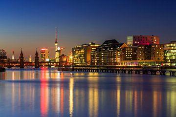 Berlin Skyline an der Spree von Frank Herrmann