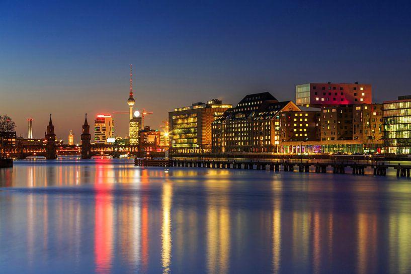 Le ciel de Berlin à la dérive sur Frank Herrmann