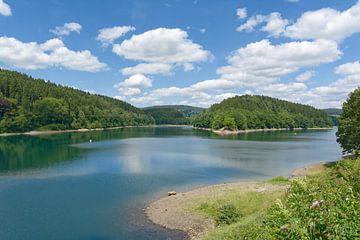 Aggertaler dam in het Bergisches Land van Peter Eckert