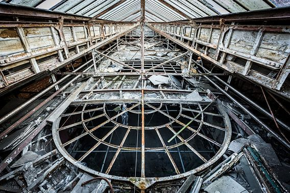 Plafond boven casino van Inge van den Brande